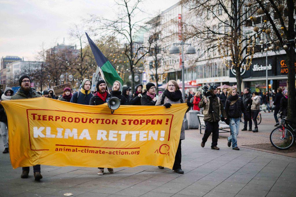 EuroTier Demo Fronttranspi 2