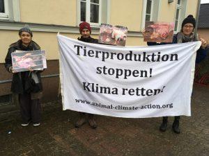 Protestkundgebung Futtermittelwerk