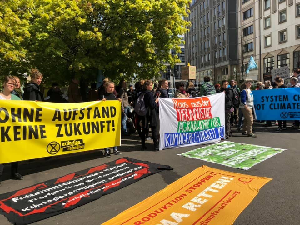 Demo vor dem Sitz des Deutschen Bauernverbands